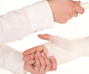 Вивих руки – як надати грамотну першу допомогу і що потрібно знати про нього