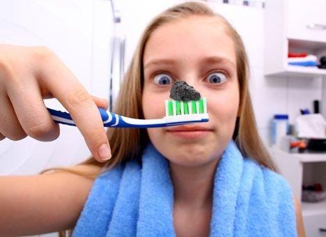 помыть волосы зубной пастой так