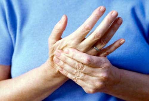 Головокружение немеют пальцы рук немеют губы