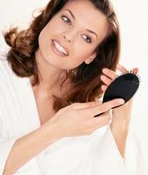Випадання волосся у жінок: лікування на голові і причини облисіння у женищин після 50 років