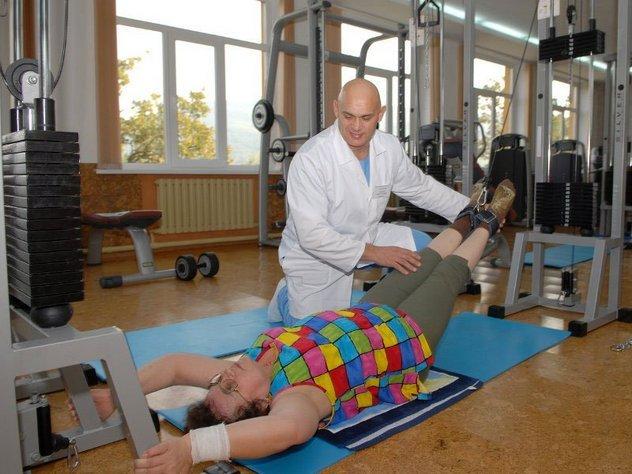 Клиника по лечению позвоночника гимнастикой