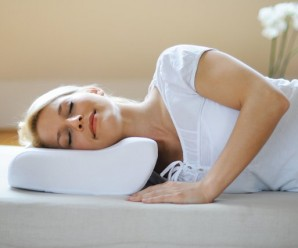 Як правильно спати при шийному остеохондрозі: поза, вибір подушки і матраци