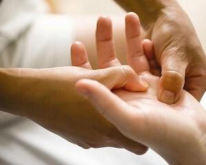 Масаж долонь і пальців рук–його вплив на здоров'я людини. Читати всім!